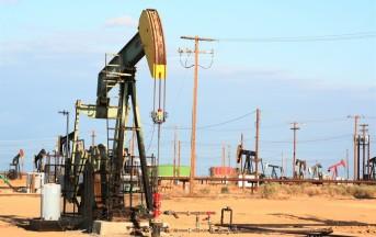 Wall Street: Futures sul Petrolio Greggio in Caduta sul Rafforzamento del Dollaro