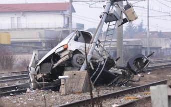 Treno Contro Un Furgone in Calabria: 6 Morti a Rosarno