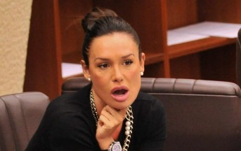 Nicole Minetti pubblica su Facebook foto da Miami: insulti dagli utenti