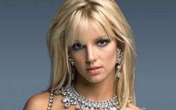 Britney Spears in Chiesa con tacchi e minigonna: le foto
