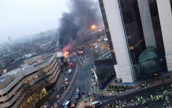 Londra: precipita elicottero, incendi in città