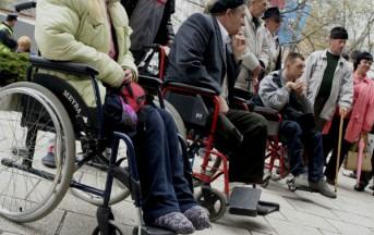 Pensioni invalidi, nuovi criteri: lo scandalo dei 257 euro negati