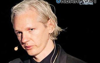 Sherlock Holmes Sfida Julian Assange