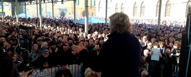Beppe grillo in diretta streaming l 39 incontro a roma con for Radio parlamento streaming
