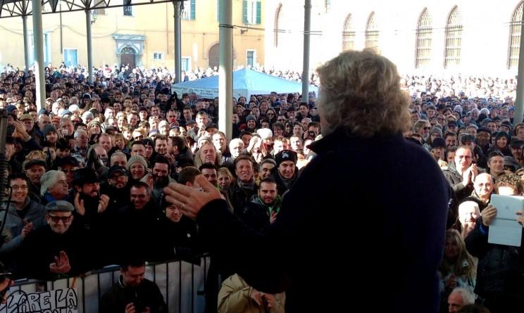 Beppe grillo in diretta streaming l 39 incontro a roma con for Diretta streaming parlamento