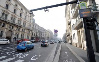 Napoli, il video dell'automobilista incastrato a Cardito spopola sul web