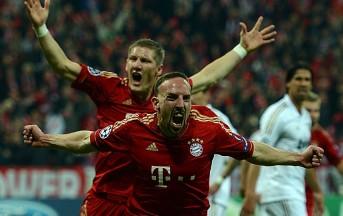 Bayern Monaco: gavettone di Neuer ad una hostess durante la festa (video)