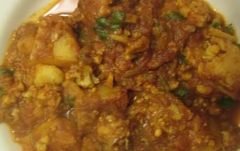 Curry vegetariano di cavolfiore e patate: foto e ricetta