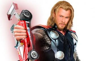 Chris Hemsworth, dal Martello di Thor al Cavallino Ferrari