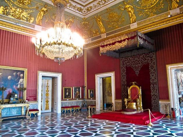 Napoli-Palazzo Reale3