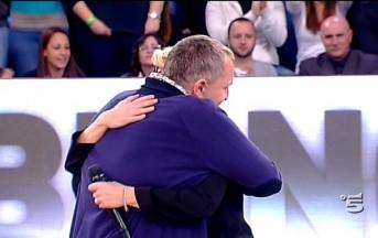 Amici 2013 anticipazioni: Miguel Bosè se ne va in lacrime. Lascia per i fischi del pubblico?