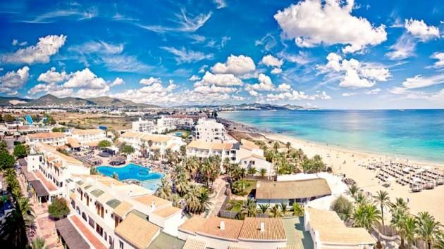 playa d'en Bossa-Ibiza