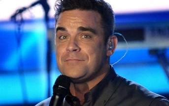 """Robbie Williams choc: """"Nessun problema a drogarmi con mia figlia"""""""