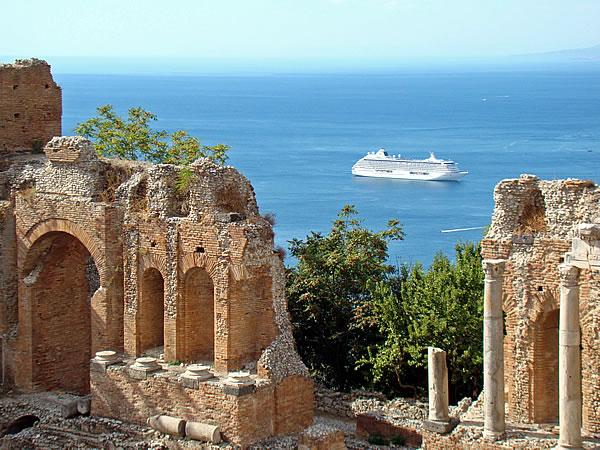Vacanze low cost in sicilia dove andare urbanpost for Case vacanze barcellona low cost