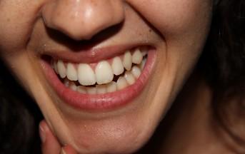 Denti bianchi, Clio e le ricette naturali fai da te per un sorriso splendente