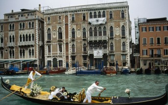 Venezia: pittore iraniano arrestato i colleghi si rivoltano contro i vigili (Video)