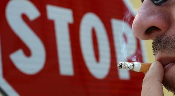 Lo zippo per smettere di fumarlo è possibile smettere di amarlo è impossibile lanciare
