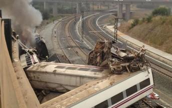 Spagna, disastro ferroviario: treno deraglia presso Santiago di Compostela