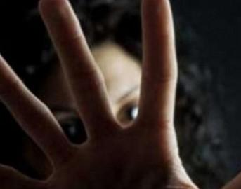 Napoli, stupro di gruppo su una diciassettenne: lei li denuncia e li fa arrestare