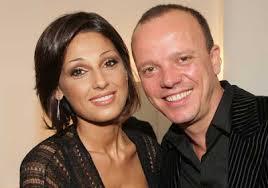 Gigi D'Alessio conquista il divorzio da Carmela Barbato ...