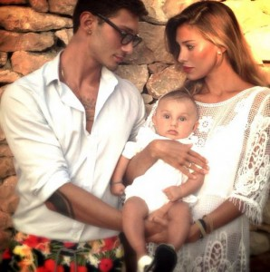 Belen Stefano Di Martino e il Figlio Satiago