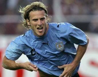 Calciomercato ultima ora, Forlan può tornare in Europa: offerta dalla Norvegia per lui