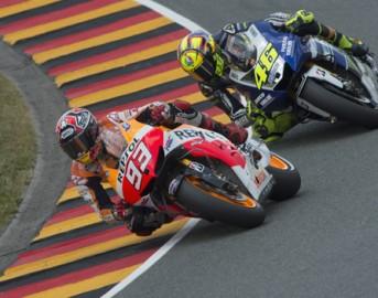 MotoGp, Argentina: un Marquez fenomenale in pole. Iannone 3°, Rossi solo 8°