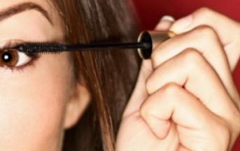 Il mascara compie 100 anni: inventato per compiacere una sorella insicura