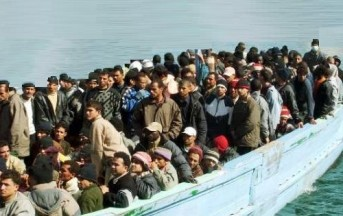 Migranti, due naufragi al largo della Libia: almeno 239 persone disperse in mare