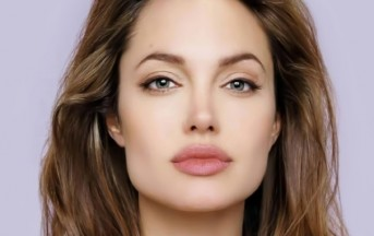 Angelina Jolie, prima biografia ufficiale che vale 50milioni di dollari