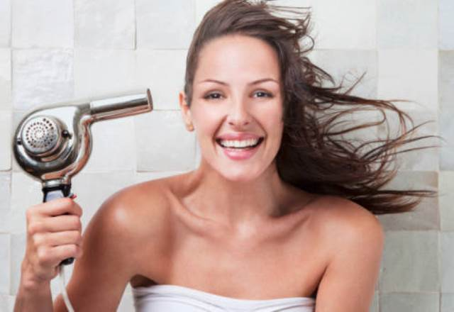 Saloni Self Service, la moda capelli 'fai da te' | UrbanPost