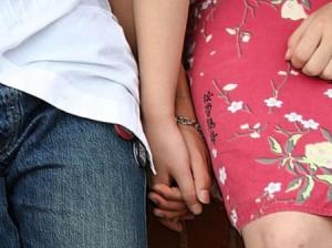 coppia omosessuale discriminata
