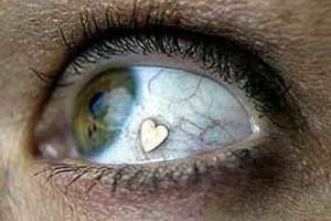 gioiello nell'occhio