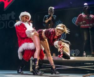 Miley Cyrus con BabboNatale