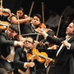 Il giovane direttore Gustavo Dudamel e l'Orchestra Giovanile Simón Bolivar