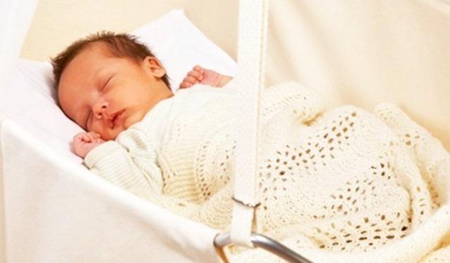 Molto Scambio di neonati a Lecce: partorisce bimba e si ritrova con un  DG85