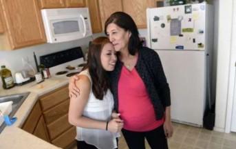 Usa, nonna surrogata: a 58 anni incinta di suo nipote
