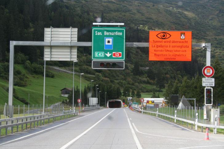 lombardia annessione svizzera