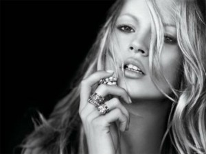 kate moss compie 40 anni