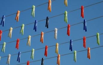 Tentato suicidio fallito: si lancia dal balcone ma i fili del bucato lo salvano