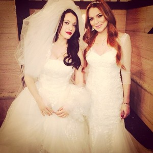 LINDSAY LOHAN in 2 BROKE GIRLS (Joi)