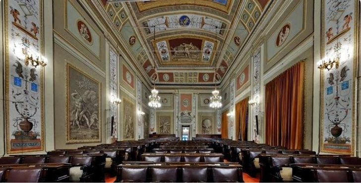 Abolizione province in sicilia approvata la legge urbanpost for Nuovo parlamento siciliano