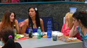 alleanza ragazze contro Chicca