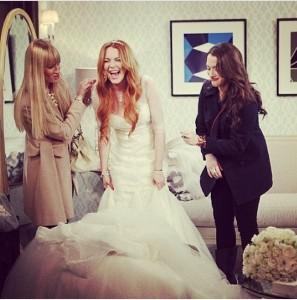 Lindsay Lohan sposa in 2 BROKE GIRLS