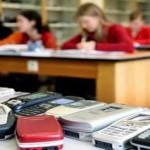 cellulari sequestrati dai docenti