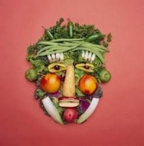Cibo crudista per mangiare in maniera salutare