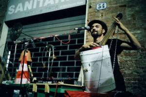 concerto musica strumenti riciclati