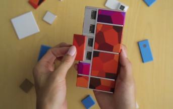 Google lancia Ara, lo smartphone modulare 'in pezzi'