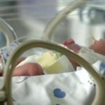 torino morto neonato abbandonato in strada