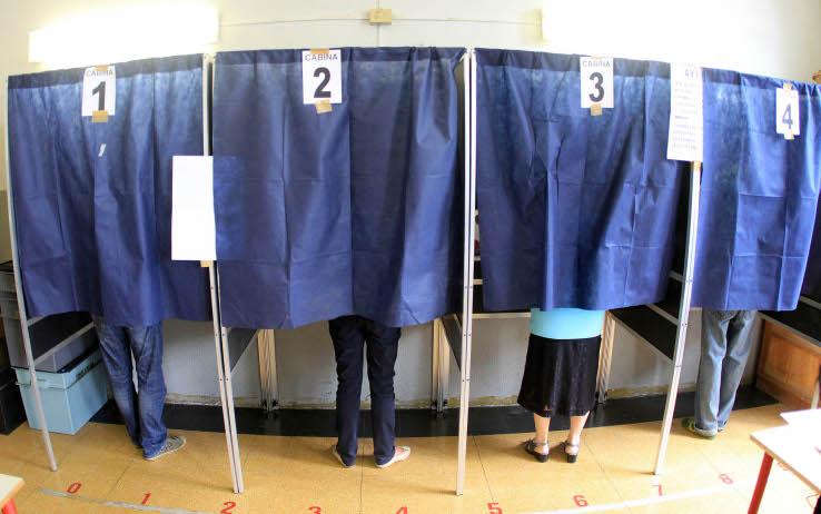 cabine-elettorali.jpeg (738×462)